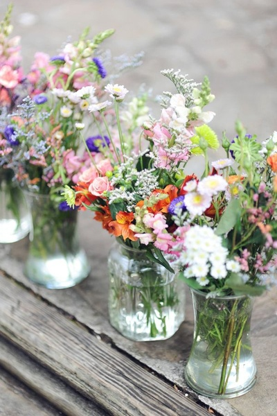 What Flowers Are In Season For Your Wedding?