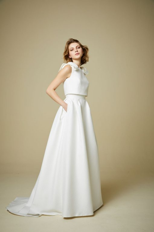 bride modelling jesus peiro 900 wedding dress