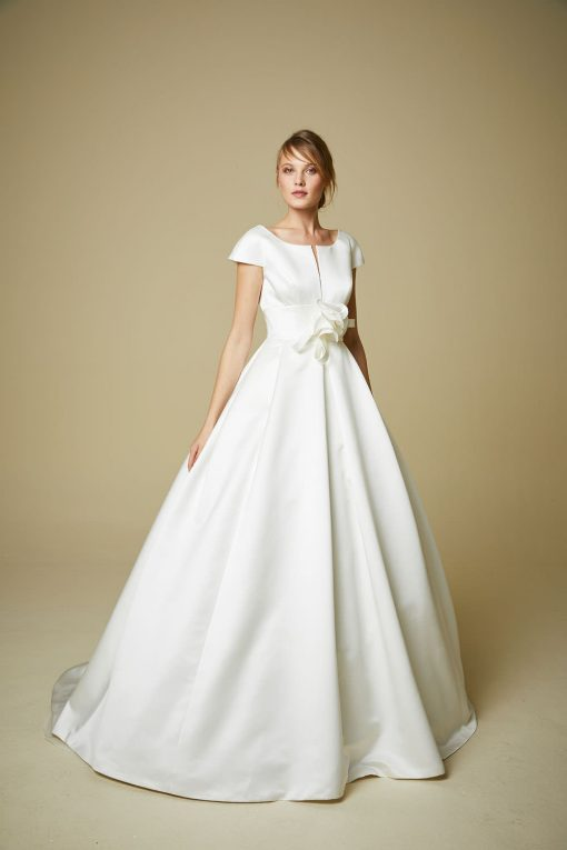 bride modelling Wedding dress style 909 from the brand new Jesus Peiro 2019 collection