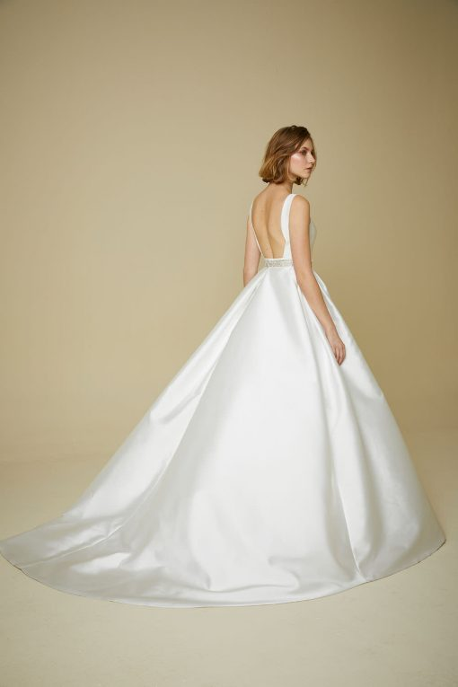 bride modelling Wedding dress style 913 from