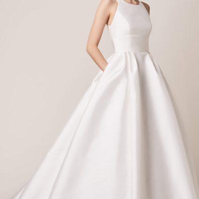 Bride wearing Jesus Peiro 166