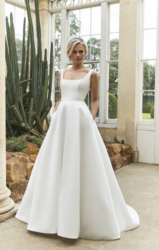 White Ball gown wedding dressing