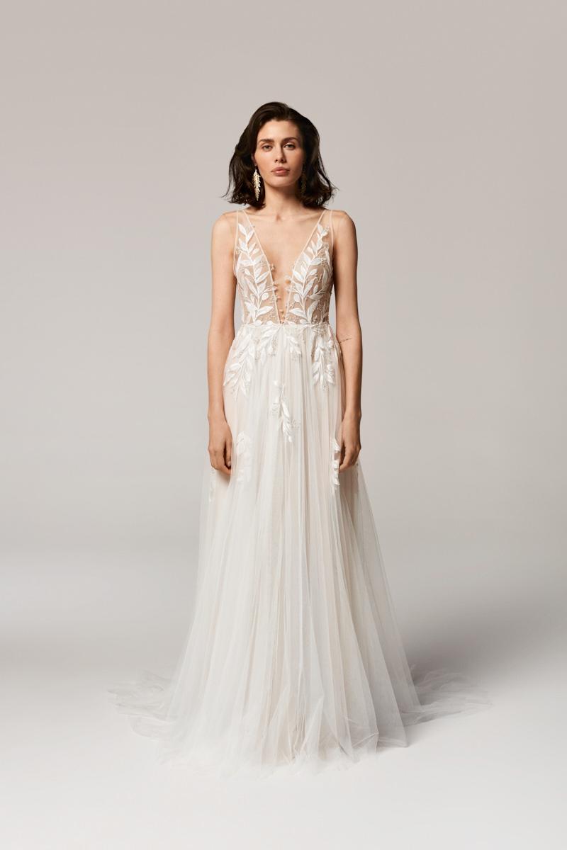 Cora wedding dress by Anna Kara