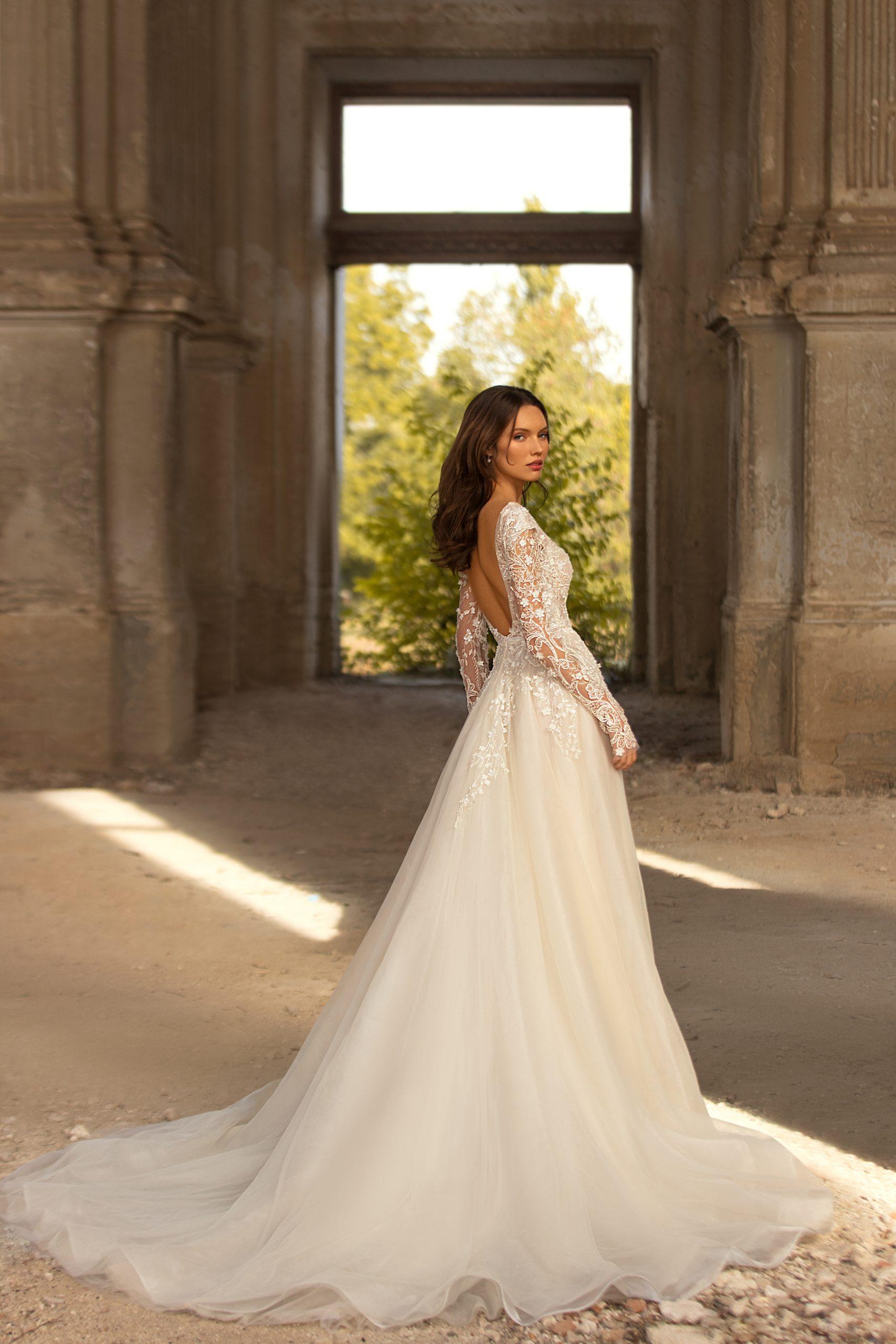 Florence wedding dress by Eva Lendel