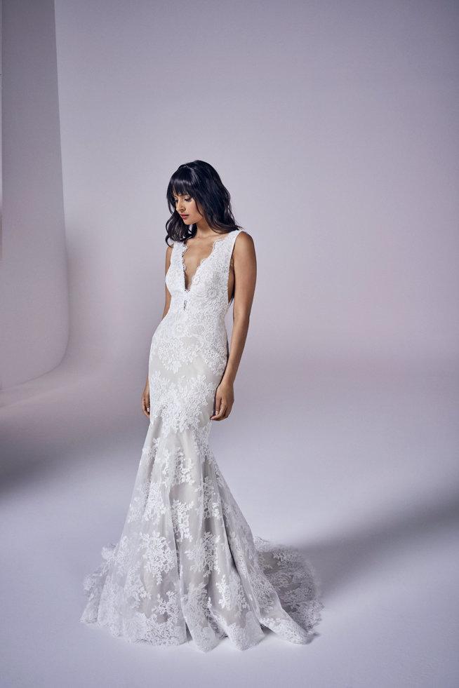 Suzanne Neville Kassia wedding dress sale