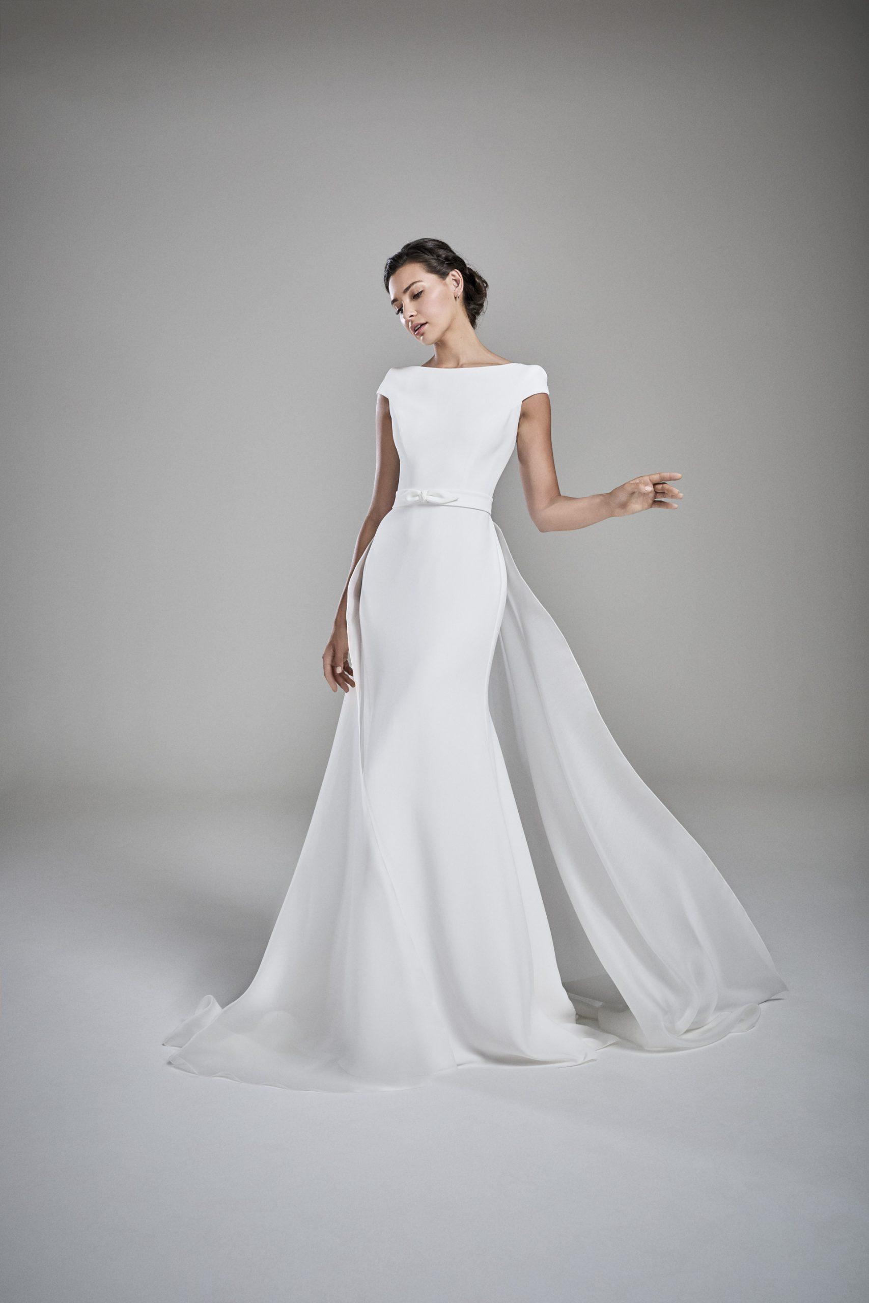Suzanne Neville Amelia wedding dress